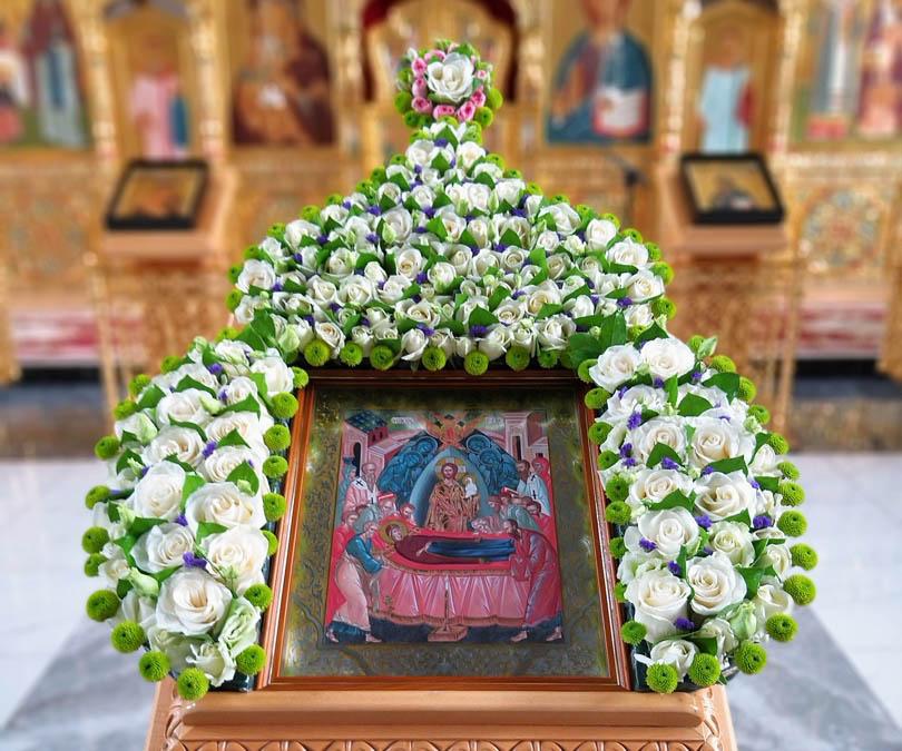 Требы на Успение Пресвятой Богородицы можно заказать дистанционно в течение 26 августа