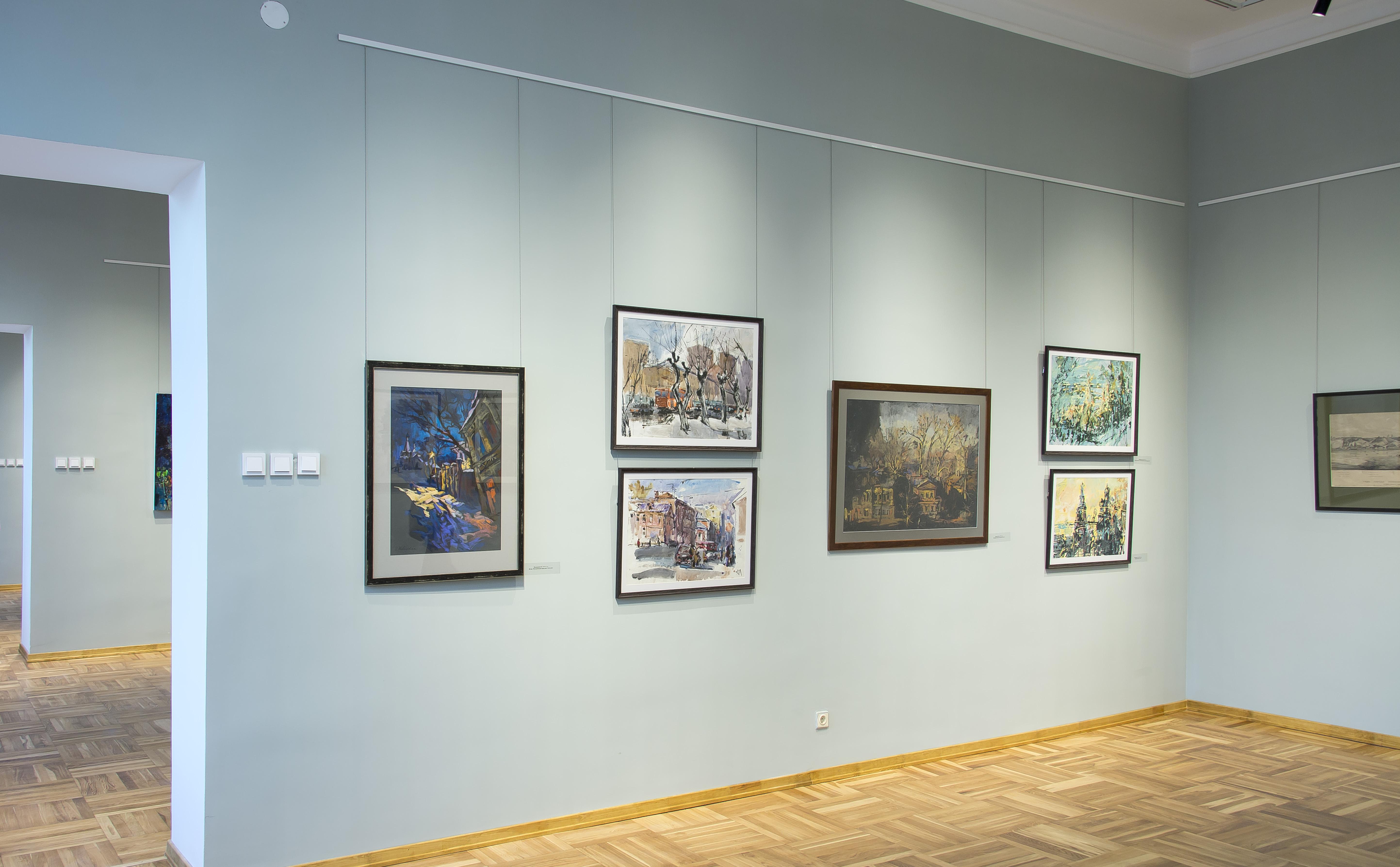 Выставка картин нижегородских художников работает в Нижнем Новгороде