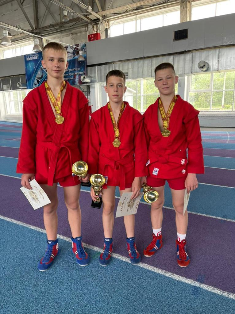 Спортсмены школы «Мастер» завоевали 16 медалей на Кубке Урала по самбо