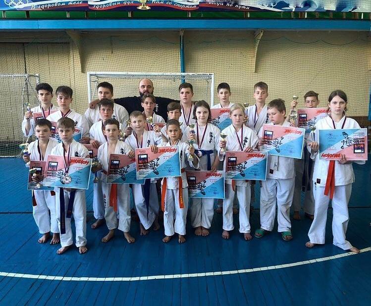 Команда Владивостока завоевала 58 наград на Кубке Приморского края по фуллконтакт каратэ в Находке.