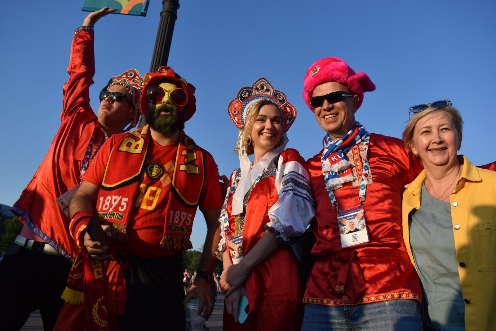 фанаты евро 2020. новости спорта. фотографии спорт. фото евро 2020