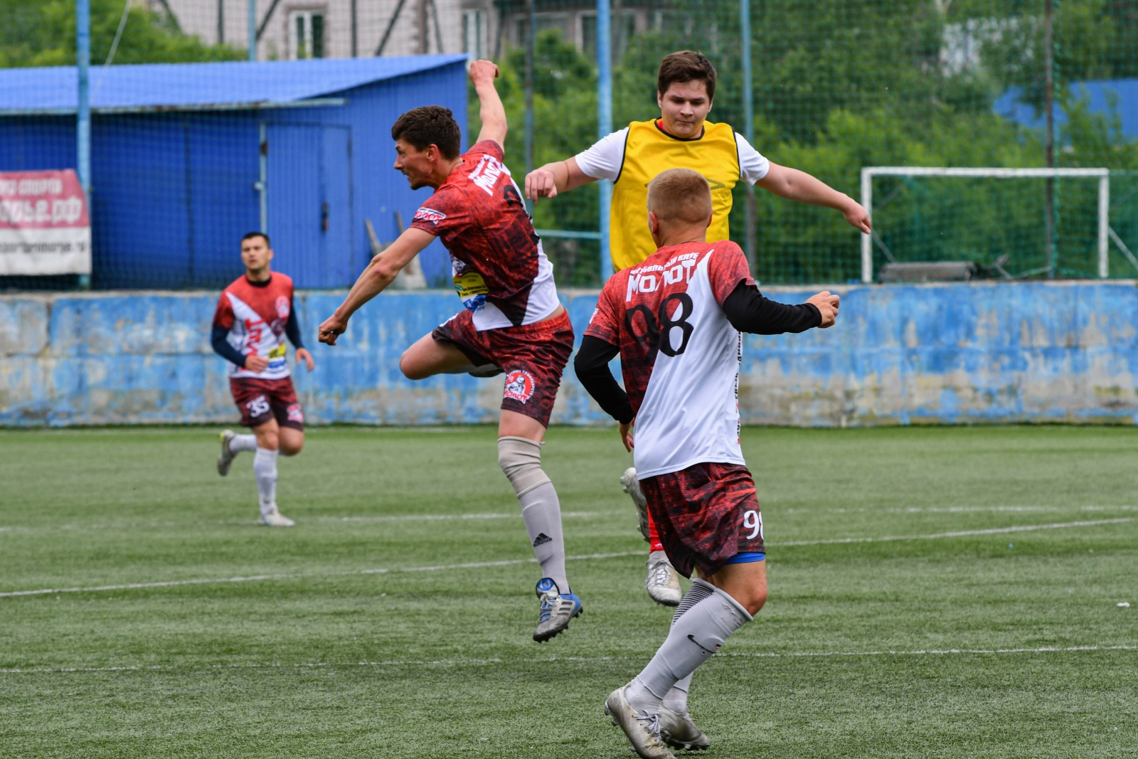 Новости футбола. Владивосток футбол. 2 лига Владивостока по футболу. Футбол в Приморском крае