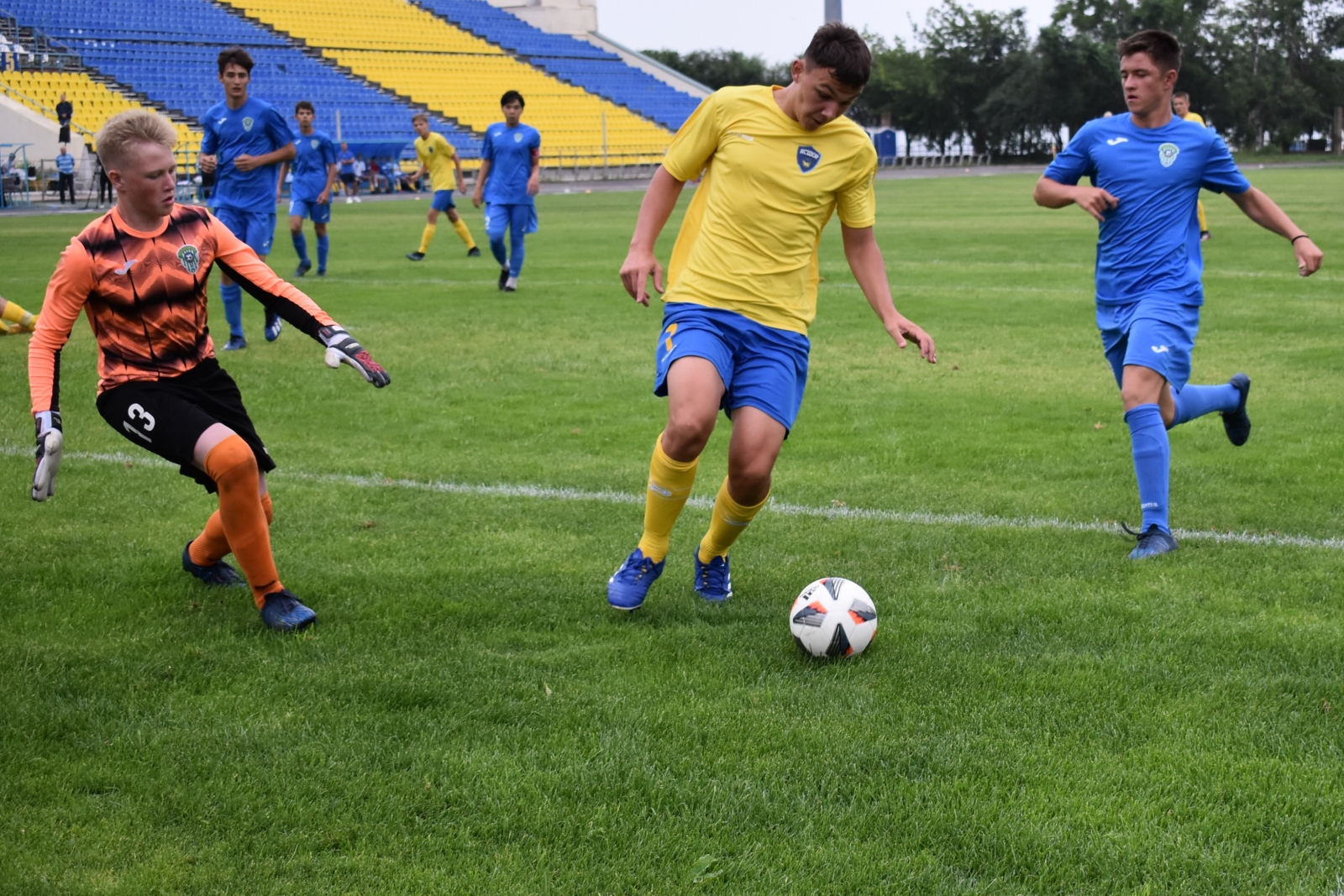Футбол. ЮФЛ ДВ. Дальневосточная юношеская футбольная лига. Новости футбола. Детский футбол.