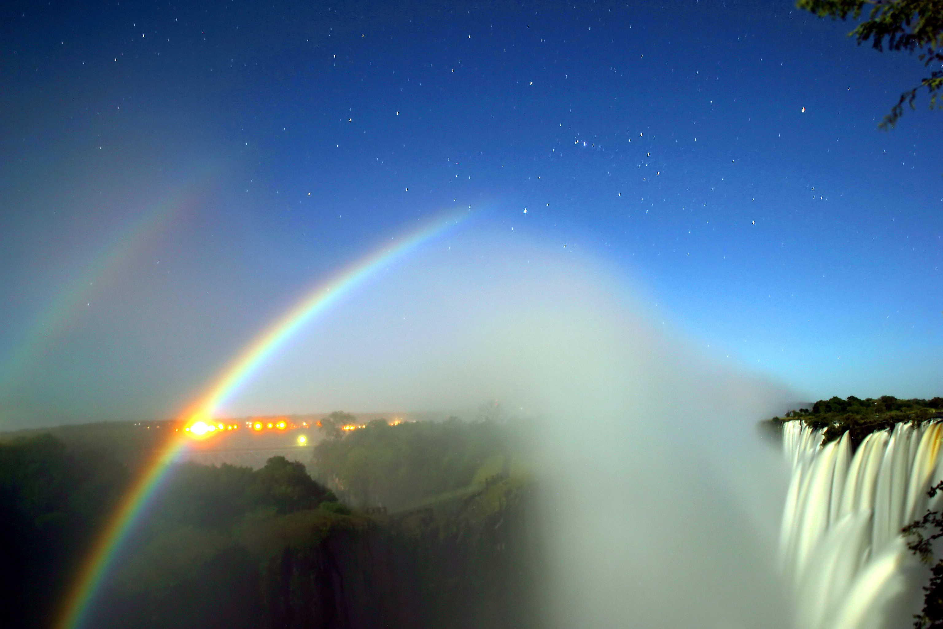 Word story - moonbow