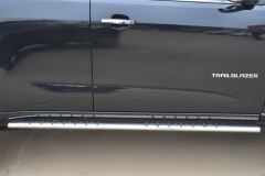 Пороги труба 75х42 овал с проступью для Chevrolet Trailblazer 2012-