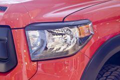 Накладки на передние фары (реснички) Toyota Tundra 2013-