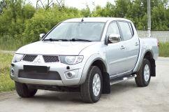 Защитная сетка и заглушка переднего бампера Mitsubishi L200 2010-2015, Mitsubishi Pajero Sport 2008—2013