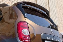 Спойлер очищающий стекло Renault Duster с 2011 г.в. (крашенный в цвет авто)