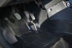 Накладки ковролина Renault Duster (2 шт.) центральные туннель пола с 2011г.в. по 2015 г.