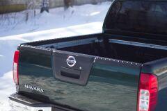 Комплект накладок на боковые борта и задний откидной борт БЕЗ СКОТЧА ЗМ Nissan Navara 2005 - 2015