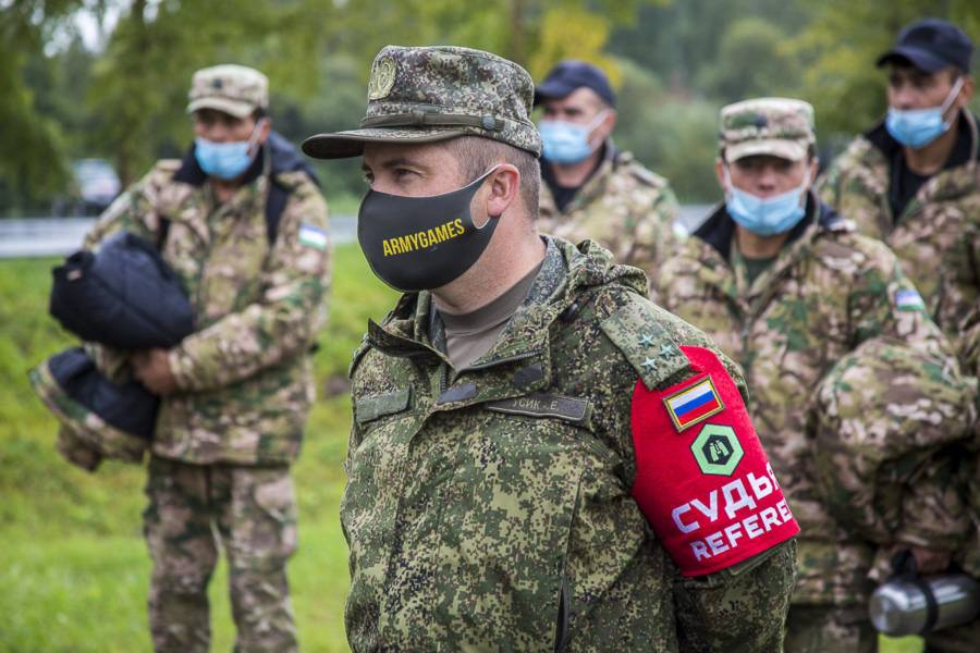 день разведка новосибирск фото прапорщиков между