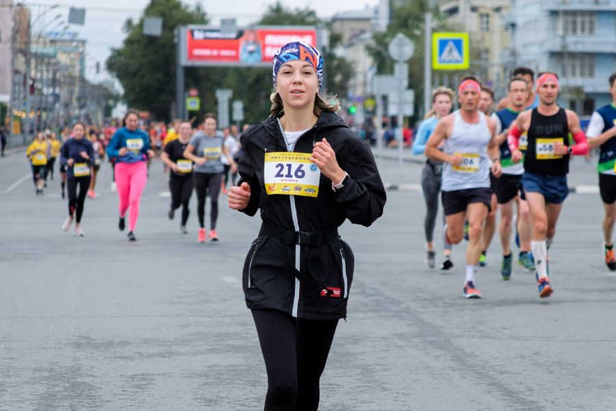 Фото Супермен, красавицы и пульс 130: в Новосибирске пробежали полумарафон Раевича 31