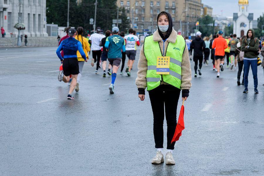 Фото Супермен, красавицы и пульс 130: в Новосибирске пробежали полумарафон Раевича 23