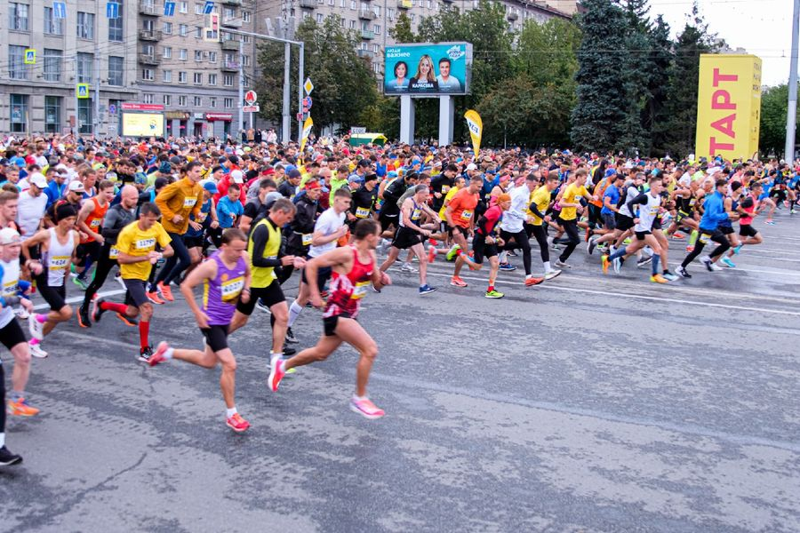 Фото Супермен, красавицы и пульс 130: в Новосибирске пробежали полумарафон Раевича 48