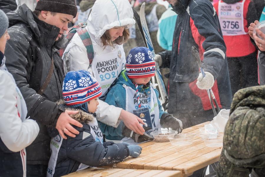 фото Влюблённые в лыжи: массовый заезд в Новосибирске 81