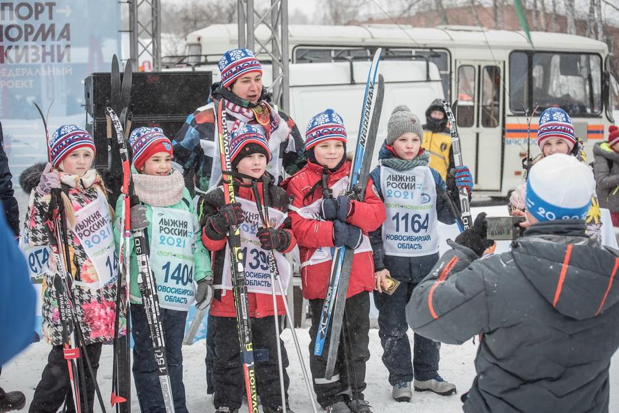 фото Влюблённые в лыжи: массовый заезд в Новосибирске 79