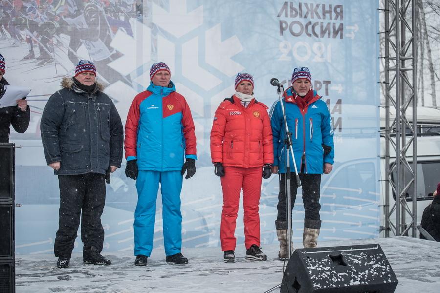 фото Влюблённые в лыжи: массовый заезд в Новосибирске 76