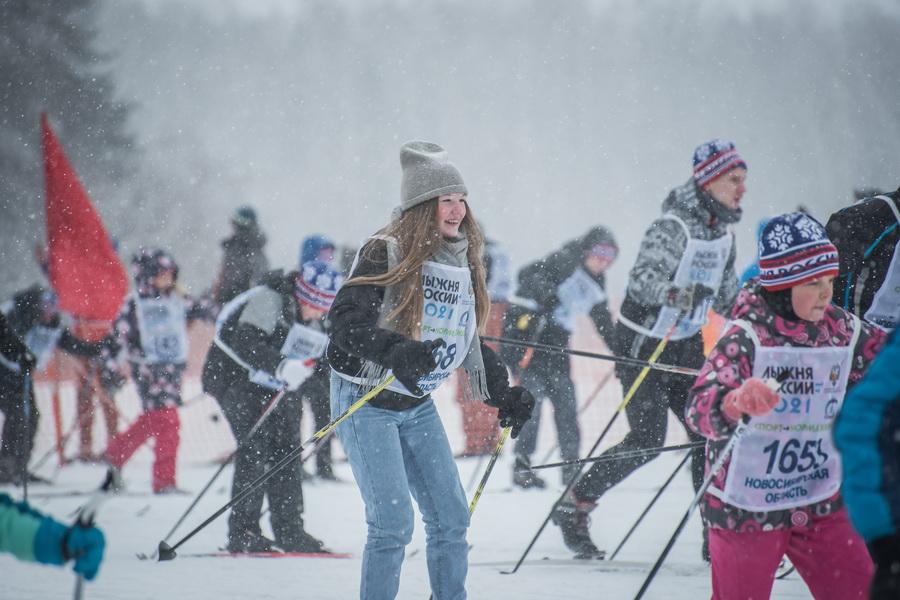 фото Влюблённые в лыжи: массовый заезд в Новосибирске 55