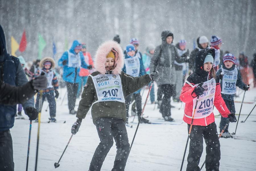 фото Влюблённые в лыжи: массовый заезд в Новосибирске 52