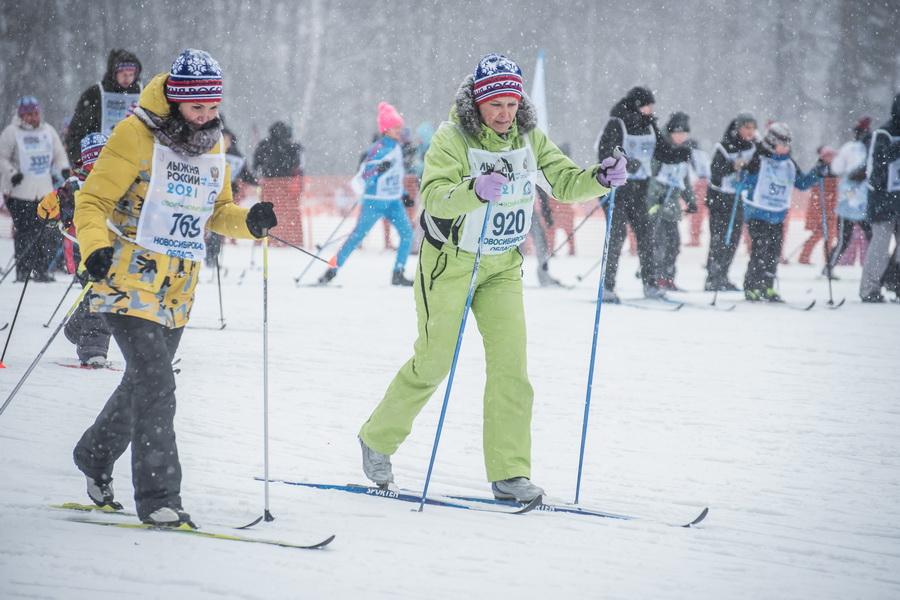 фото Влюблённые в лыжи: массовый заезд в Новосибирске 50