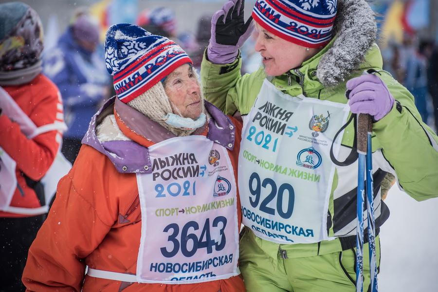 фото Влюблённые в лыжи: массовый заезд в Новосибирске 24