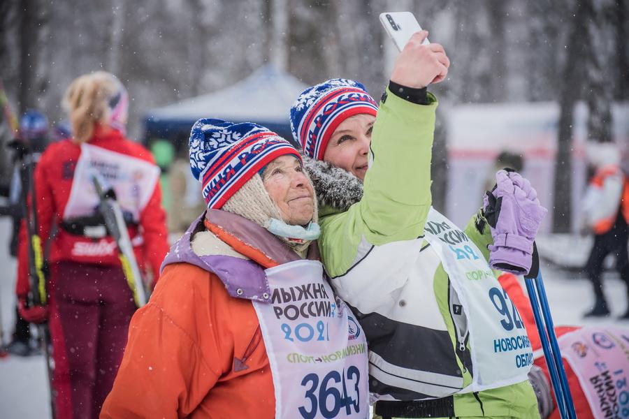 фото Влюблённые в лыжи: массовый заезд в Новосибирске 23