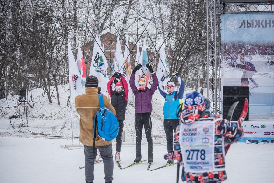 фото Влюблённые в лыжи: массовый заезд в Новосибирске 21