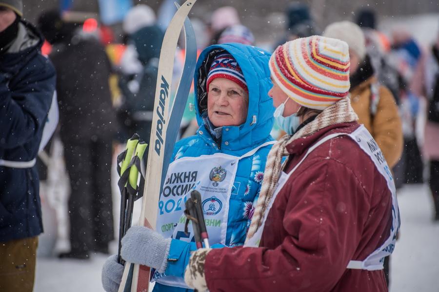 фото Влюблённые в лыжи: массовый заезд в Новосибирске 17