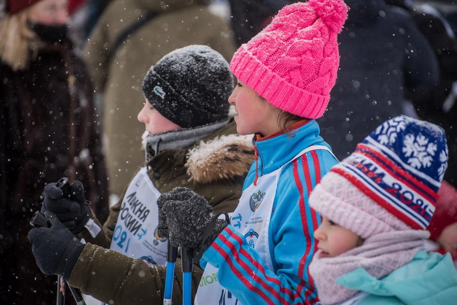 фото Влюблённые в лыжи: массовый заезд в Новосибирске 15