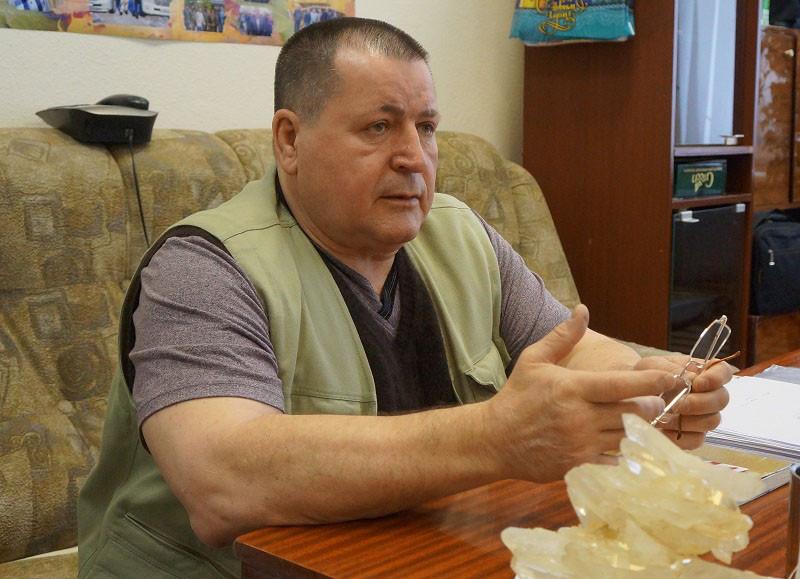 Николай Дереженец в офисе фото Kolymastory.ru