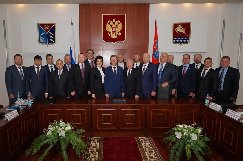 Состав облдумы VI созыва фото: magoblduma.ru