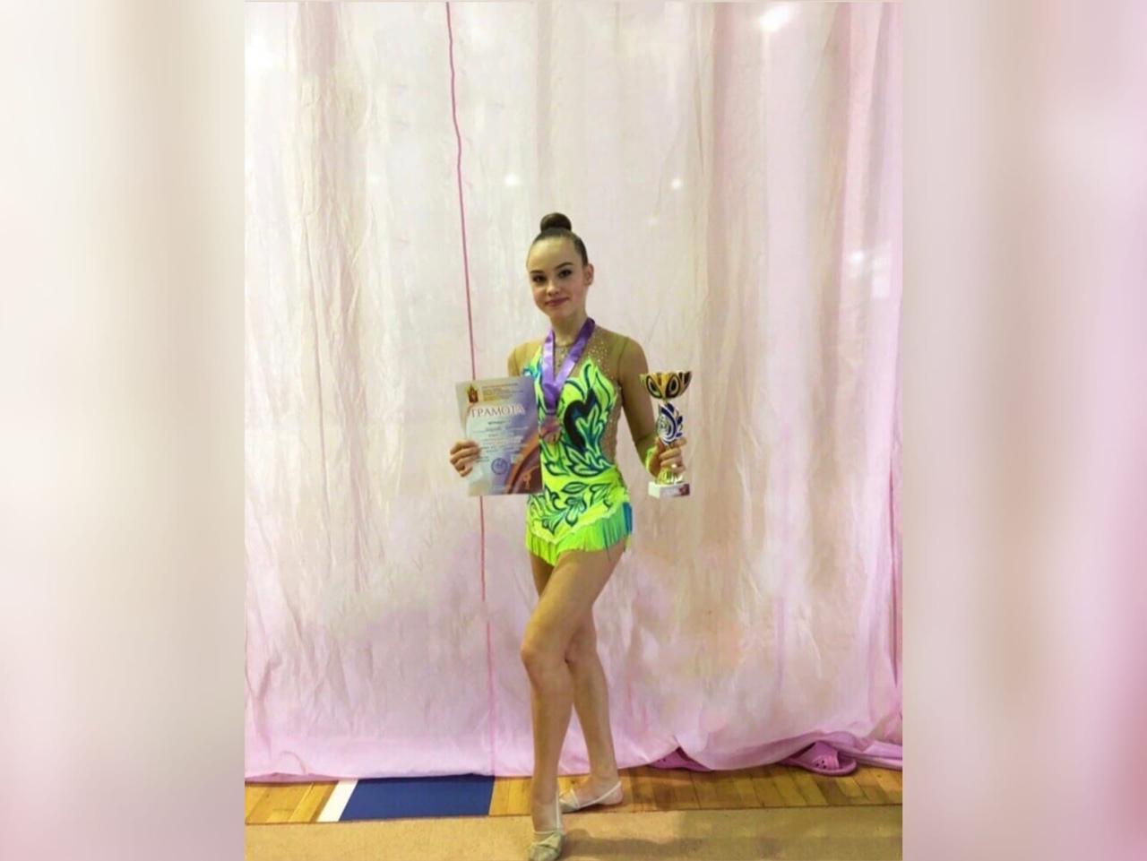 Девушка дня — юная студентка Екатерина Жаркова!
