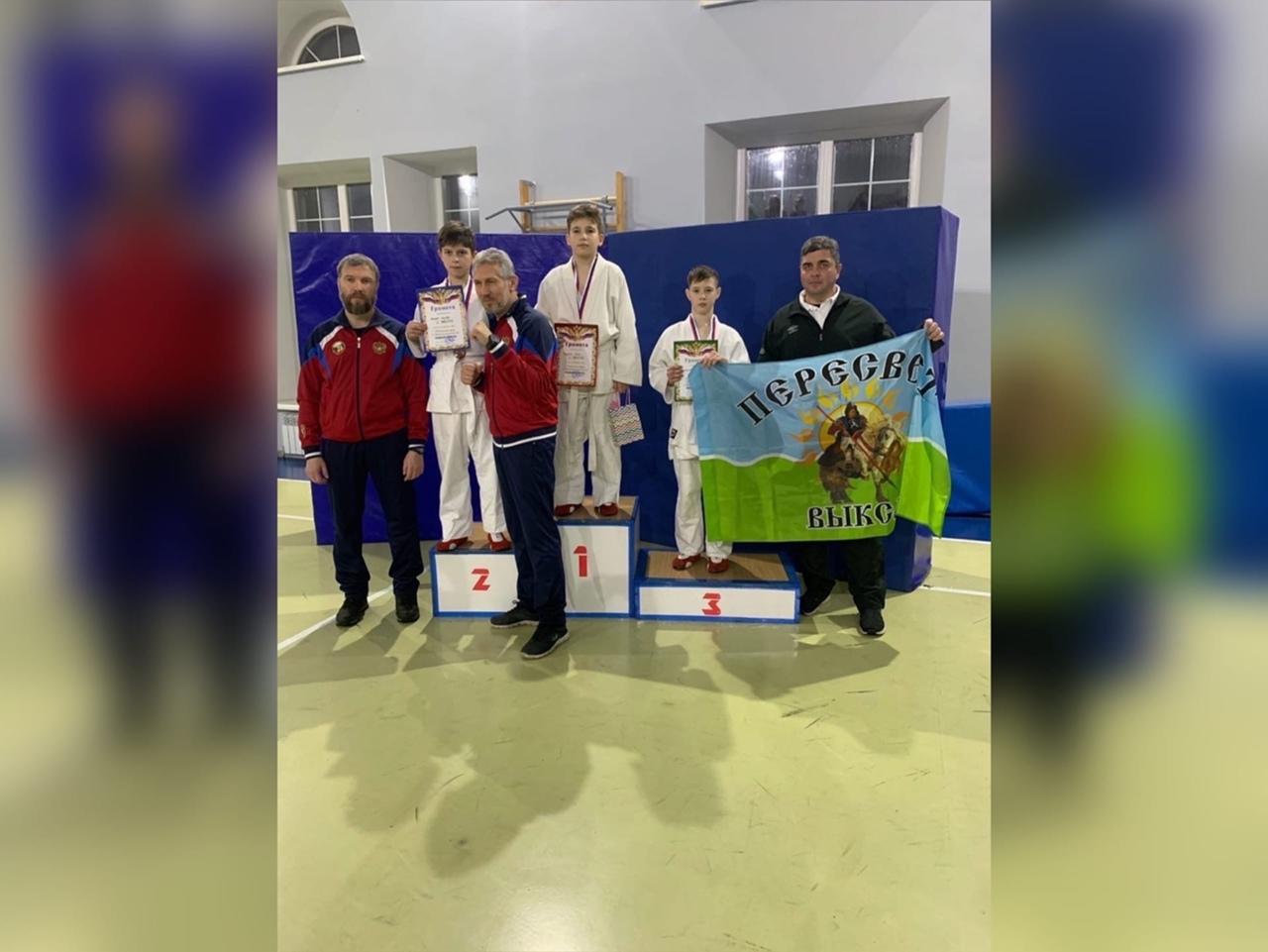 Выксунцы взяли «золото» и «бронзу» на турнире по АРБ