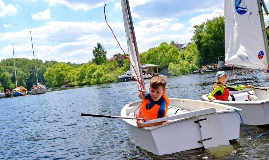 Детская парусная школа! Обучение детей яхтингу!