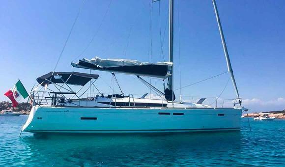 Аренда парусной яхты в Италии на острове Сардиния
