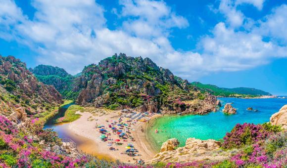 Climb on board: что скрывают дикие пляжи Сардинии?