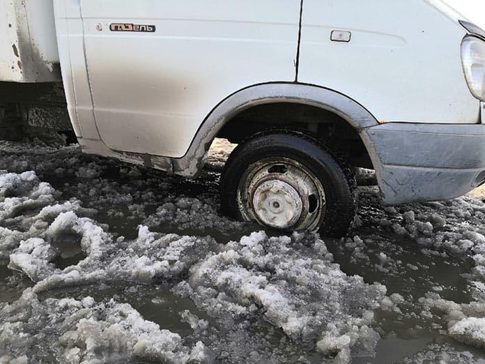 Белово превратился в непролазное снежное болото. В Белове не вывозят снег
